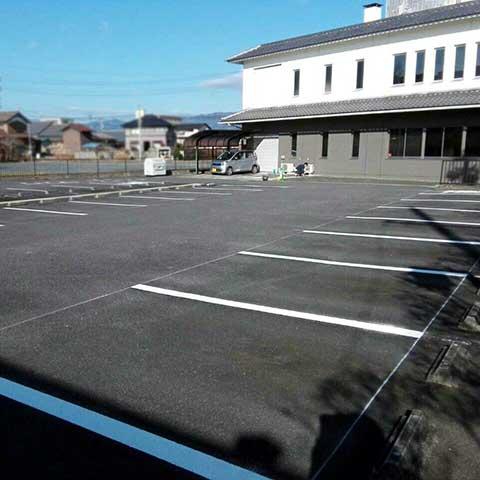 伊賀市 施設駐車場ライン引き工事