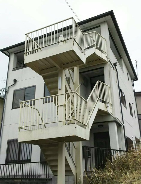 名張市 3階立てビル塗装工事