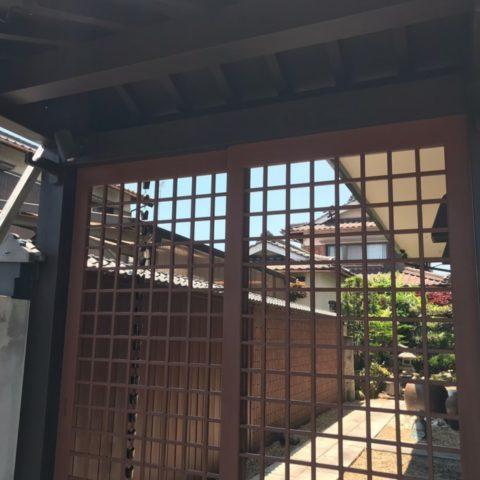 伊賀市店舗入り口 数奇屋門塗装工事